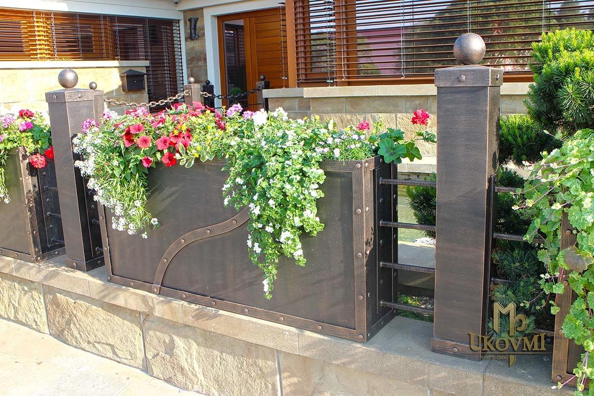 supports pot de fleurs ferronnerie d 39 art ukovmi. Black Bedroom Furniture Sets. Home Design Ideas
