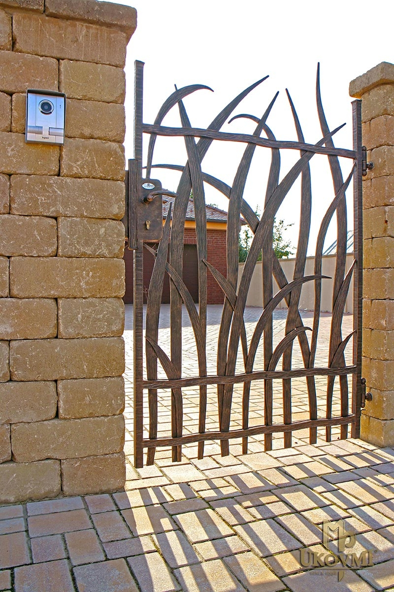 Portails et cl tures ferronnerie d 39 art ukovmi for Portillon en fer forge