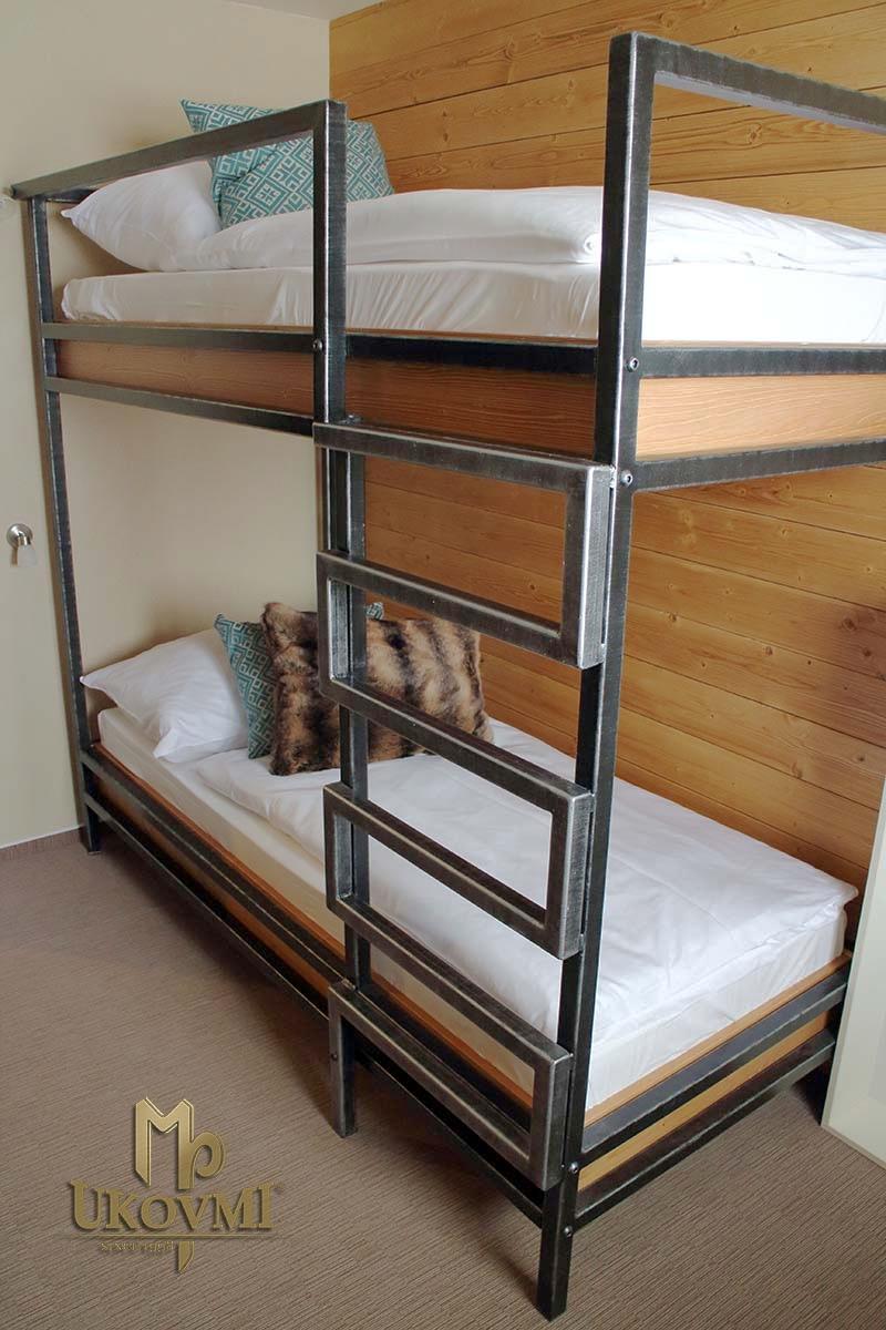 meubles en fer forg ferronnerie d 39 art ukovmi. Black Bedroom Furniture Sets. Home Design Ideas
