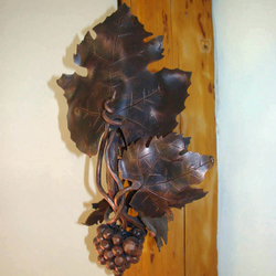 A wall forged lamp - The vine with grapes